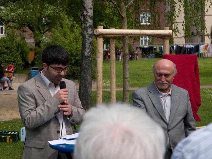 Grußworte von Herrn Yilmaz Holtz-Ersahin (Stadtbibliothek Duisburg) vor der Enthüllung der Gedenk-Tafel