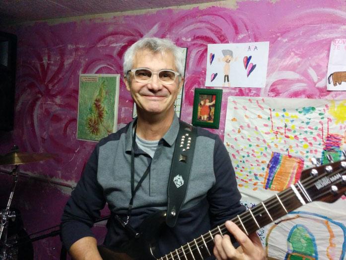 """Pascal """"Guitare heureux"""""""