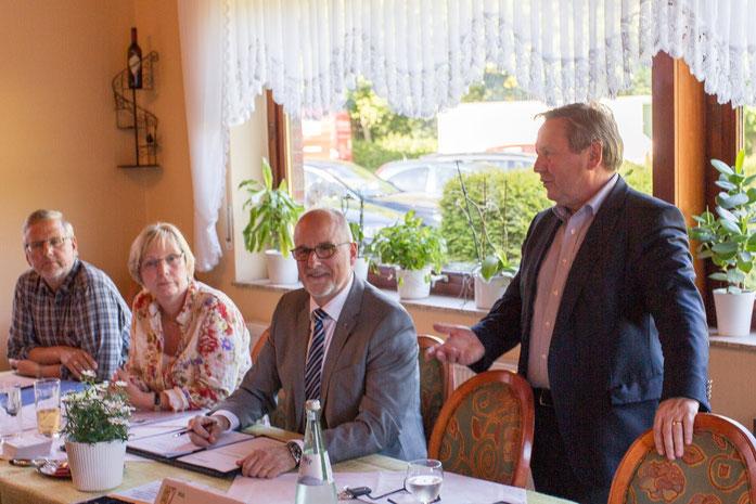 Hans-Jörn Arp berichtet aus der Landespolitik