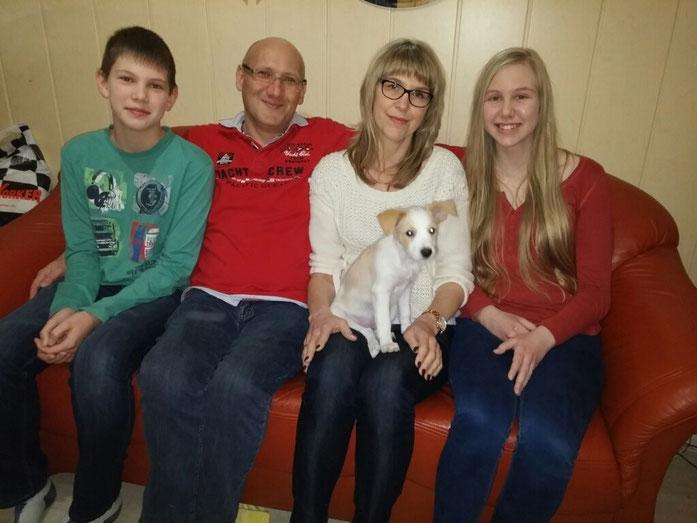 Amazone mit ihrer neuen Familie