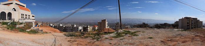 Ein Blick auf das Tal, in dem sich das Flüchtlingslager befindet.