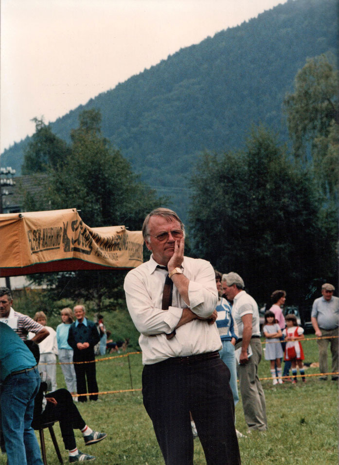 Albert Josef Platz im Ring beim Richten
