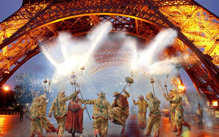 Els Diables de  Vilanova van exigir la Torre Eiffel per la seva actuació i l'alcaldessa de París, l'andalusa Anne Hidalgo, no va dubtar a concedir-la en senyal de cordialitat cap el nou país veí.