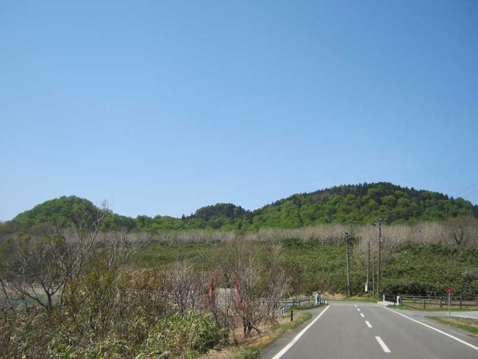 恐山太鼓橋から、右が剣山