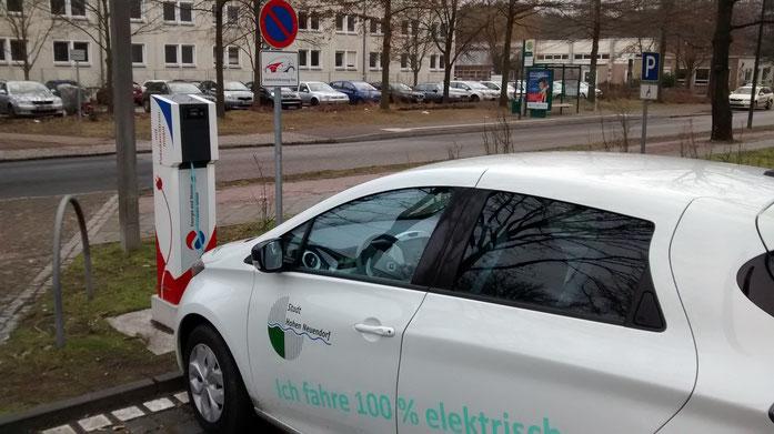 Hohen Neuendorf - Potsdam, mit dem E-Auto kein Problem. Dank der Ladesäule der Stadtwerke noch entspannter.