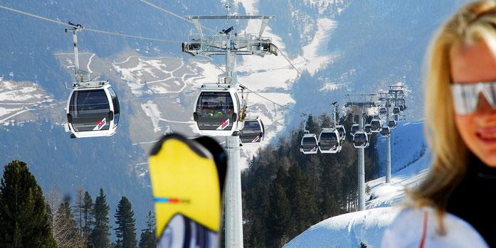 Moderne Kabinenbahnen zeichnen unsere zwei Skigebiete Speikboden und Klausberg besonders aus. Bild: Skigebiet Speikboden©