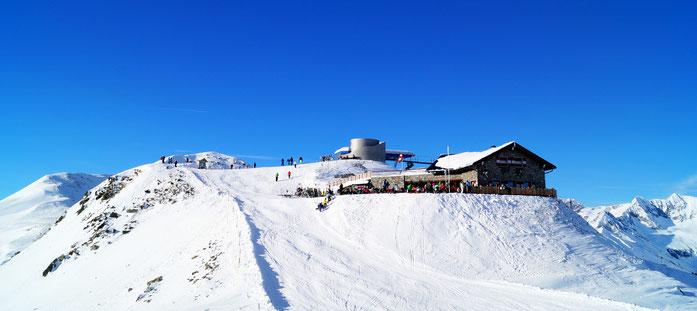 Skigebiet Speikboden mit Aussichtsplattform und Sonnklarhütte: ein Bergpanorama das seinesgleichen sucht. Bild: Skigebiet Speikboden©