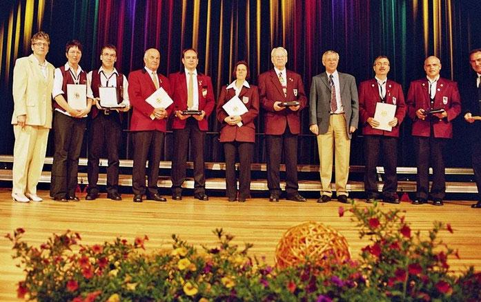 2006 - Verleihung der PRO MUSICA-Plakette an die Musikvereine Körperich,Oberbillig, Welschbillig und Zewen in Emmelshausen