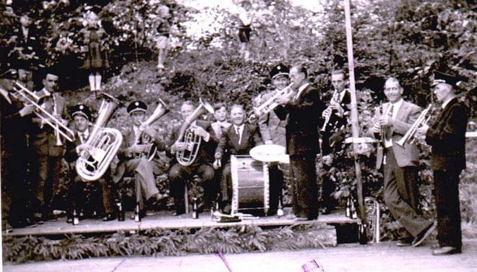 Ab ca. 1950 - Musizieren ohne Noten   >> - kleine Besetzung - Los Katastrophos - Ballantines