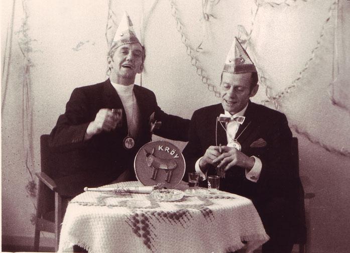 Bild der Gründungsväter (v. l.) Walter Steuer (Schmetterling) und Erich Löwen (Herz)