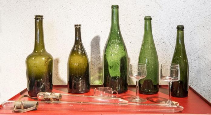 Evolution de la bouteille à vin d'Anjou