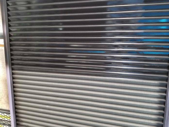 大垣市、養老町、上石津町、輪之内町、安八町、神戸町、垂井町、瑞穂市、池田町で外壁塗装工事中の外壁塗装工事専門店。岐阜市鏡島で外壁塗装工事/付帯の塗装作業中