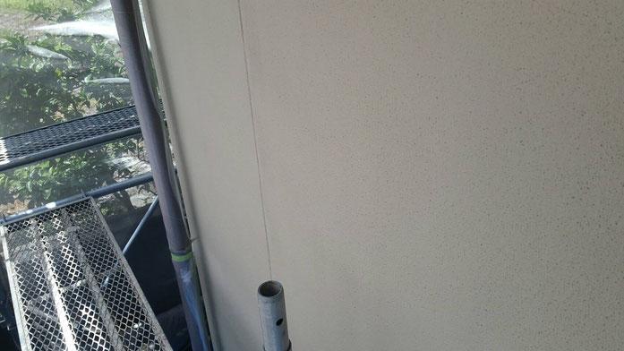 養老町、大垣市、平田町、南濃町、海津町、上石津町、輪之内町で外壁防水塗装工事中の外壁塗装工事専門店。養老町石畑で外壁防水塗装工事/中塗り塗装作業