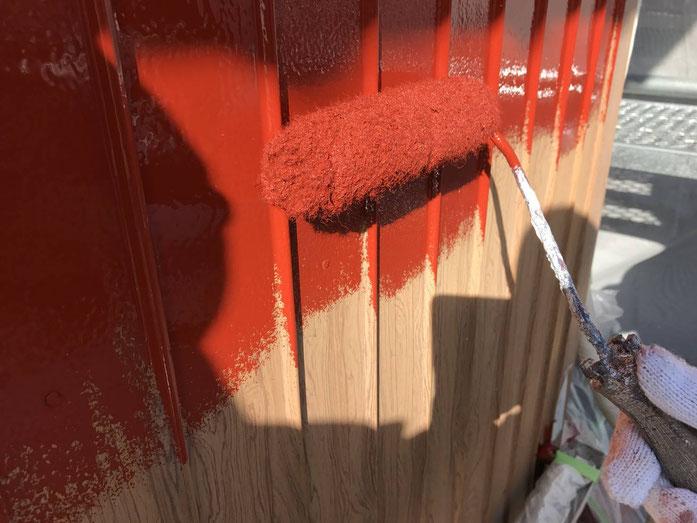 養老町、大垣市、平田町、南濃町、海津町、上石津町、輪之内町で外壁塗装工事中の外壁塗装工事専門店。養老町高田で外壁塗装工事/トタン部分下塗り作業中