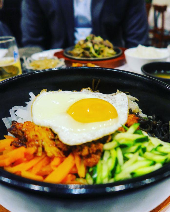 Zurichfoodadvisor im Restaraunt Misoga mit typisch koreanischem Essen in Zürich