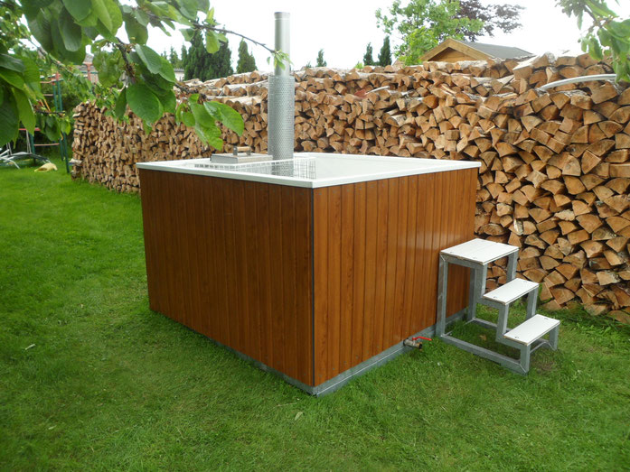 holzbeheizte gartenbadewanne holzbeheizte gartenbadewanne. Black Bedroom Furniture Sets. Home Design Ideas