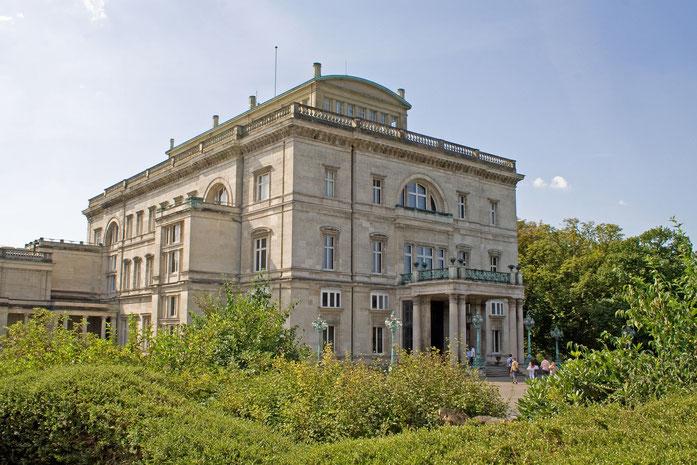 Nur Ruß und Arbeit in Essen? Das heutige Museum Villa Hügel mit seinen wechselnden Ausstellungen sagt etwas anderes.