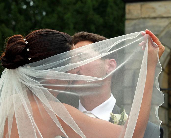 Hochzeitsfotos, Hochzeitsbilder, Hochzeitsfotograf, Hochzeitsfotografie, Fotograf Mönchengladbach, Grevenbroich, Neuss, Düsseldorf, Köln, Aachen, individuelle Hochzeitsfotos, Hochzeitsreportage