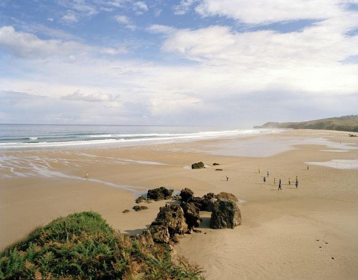 uno de los muchos parajes costeros singulares en la costa cantábrica...