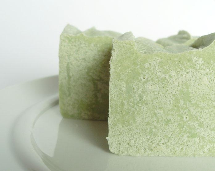 Salzseife mit Spirulina und Zitronenmyrte - Naturseifen und Wellness-Shop