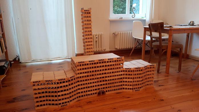 Tolles Riesengebäude aus 2000 Hölzchen von Lorenz, 9 Jahre alt