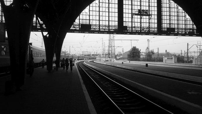 Bahnhof Lemberg, sehr früh am Morgen