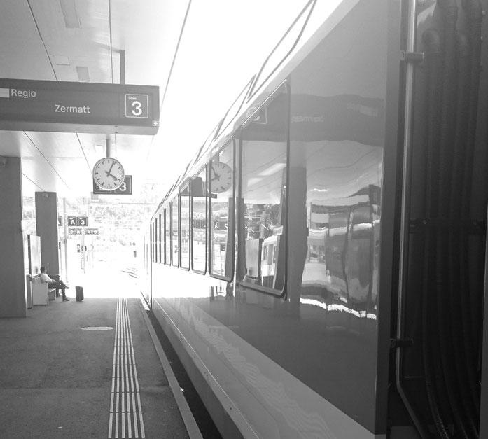 Regionalzug nach Zermatt
