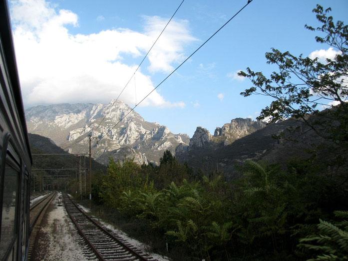 Blick aus dem Zug: Strecke Sarajevo-Mostar