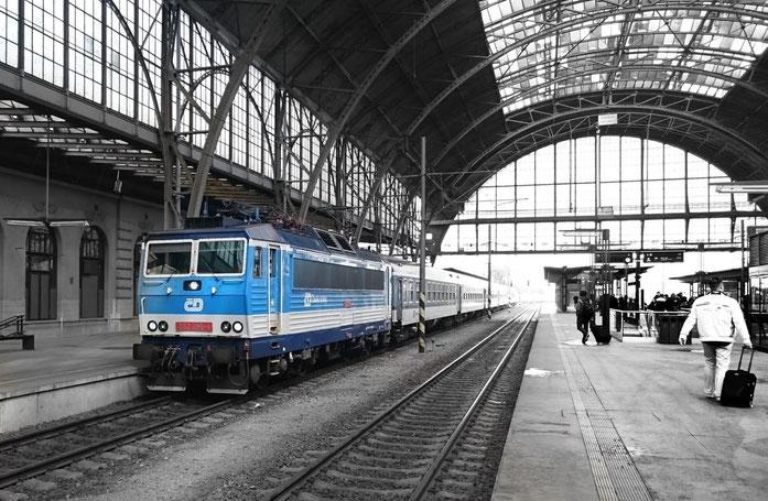 Schnellzug in Praha hl.n.
