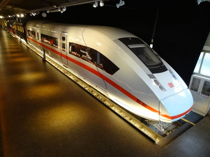 ICx, die neueste ICE-Generation (Mock in Nürnberg)