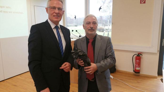 Link: Reinhard Rawe, Vorsitzender des Landessportbundes Niedersachsen - Rechts: Günter Dubber, Vorsitzender des CDU Kreisverbandes Lüneburg