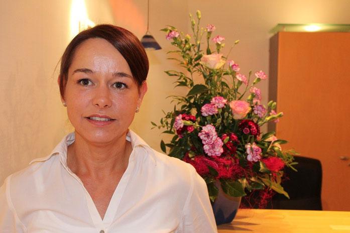 Frau Schlüßler - Zahnmedizinische Fachangestellte (ZFA) und Fachassistentin (ZMF)