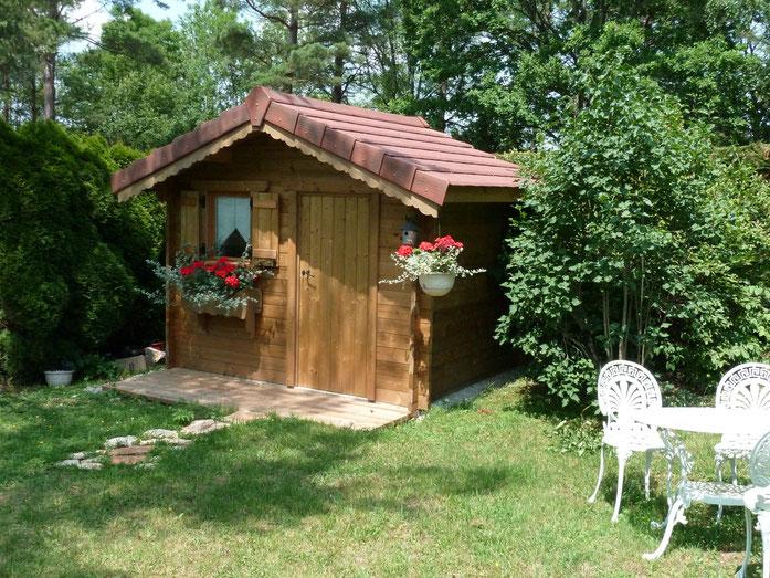 Chalet de jardin et garage site de valobois39 for Fenetre 60x80