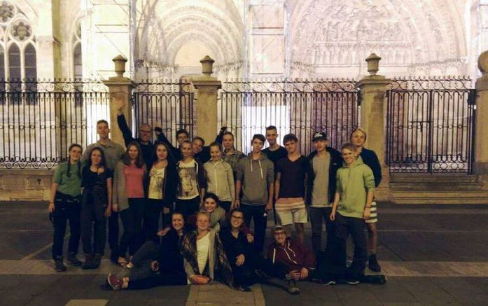 Hier der Beweis, dass wir alle gut gelandet sind. Mussten in Burgos den Bus wechseln und haben uns gerade gestärkt