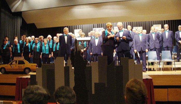 Am gemeinsamen Konzert mit dem Gemischten Chor Aeschi im 2013 unter dem Titel BROADWAY