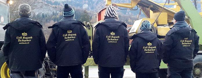 Ein grosses Dankeschön an Tanja Zimmermann von Sternlifaden Näh- und Strickatelier Cazis für die toll bestickten Jacken.