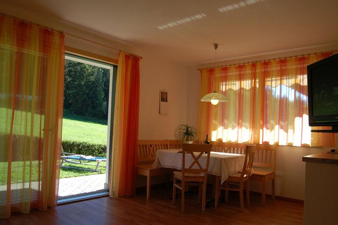 Wohnküche Sass Rigais, direkter Zugang zum Garten