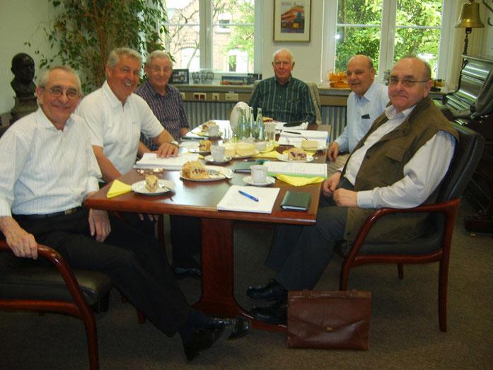 (v.l.n.r.) Prof. Dr. Horst A. Wessel, Wolfgang Ernhardt, Günter Simon (†), Dr. Heinrich Fliegert, Horst Thönnes, Karl Rudolf Gerhards