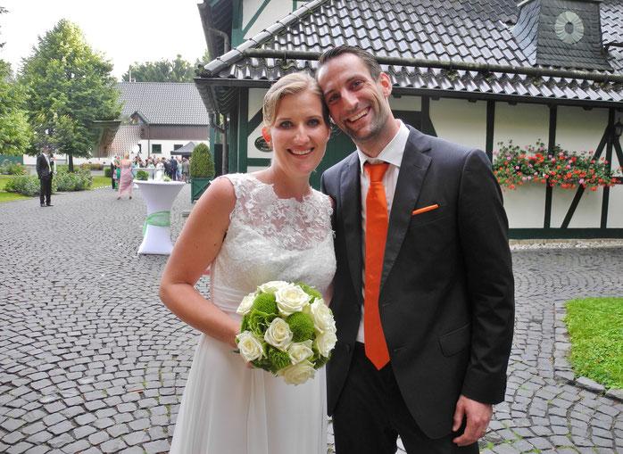 Heiraten mit freier Trauung im Hofgut Mappen in Schlangenbad. Freie Redner Hofgut Mappen freie Theologen Trauredner Schlangenbad Rheingau.