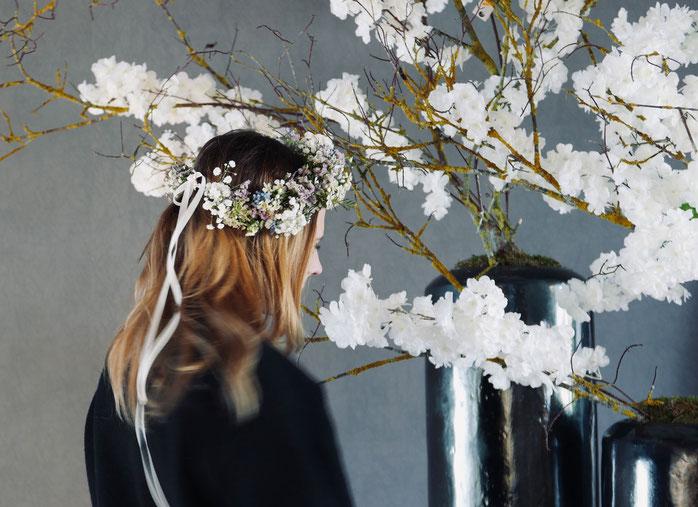 OOTD: Dezenter Blumenkranz im Haar