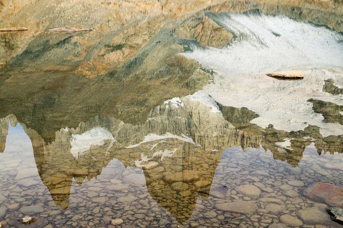 Fitz Roy spiegelt sich in der Laguna de los Tres, Patagonien