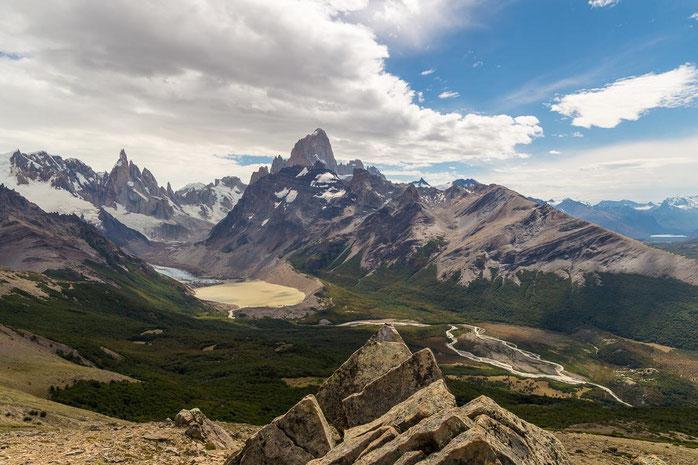 Panoramablick auf Cerro Torre und Fitz Roy, Patagonien