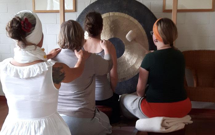 Gong - Stimme - Seelenklang, Klangschalen, Peter Hess-KLangtherapie, Anna Avramidou