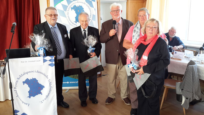 Beim Patientenkongress 2018 in Ingolstadt wurden 5 bayrische Selbsthilfegruppen für 20jähriges Bestehen geehrt.          Bildrecht: Landesverband Bayern für Schlafapnoe e.V.