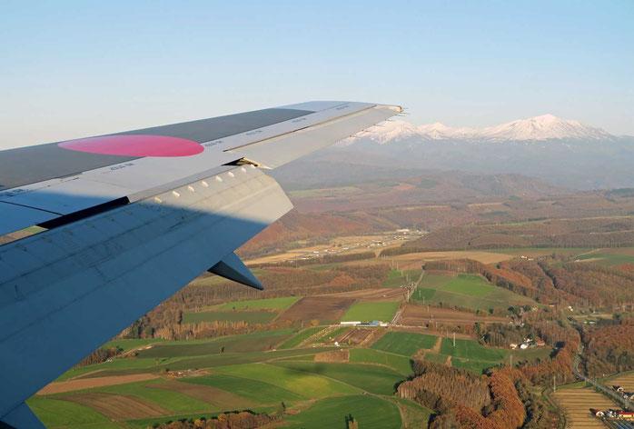 旭川行き飛行機より雪の旭岳