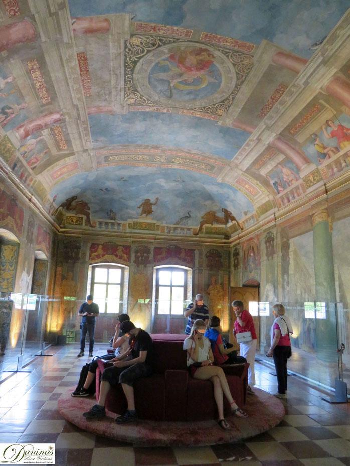 Schloss Hellbrunn, Salzburg. Gänzlich bemalter Festsaal.