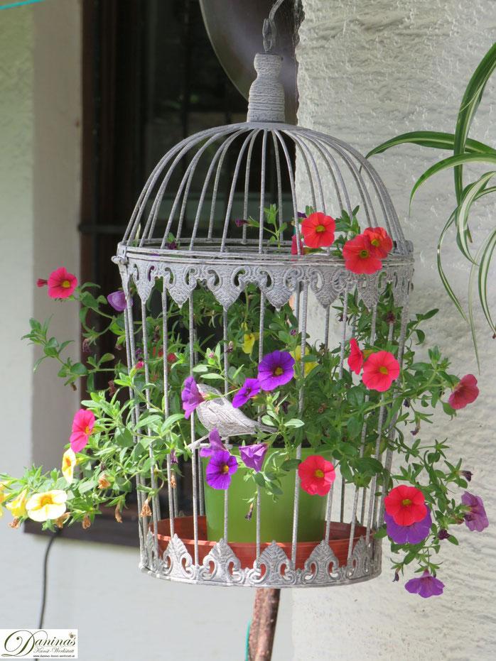 Garten Dekoration - Shabby Chic Vogelkäfig mit bunten Zauberglöckchen