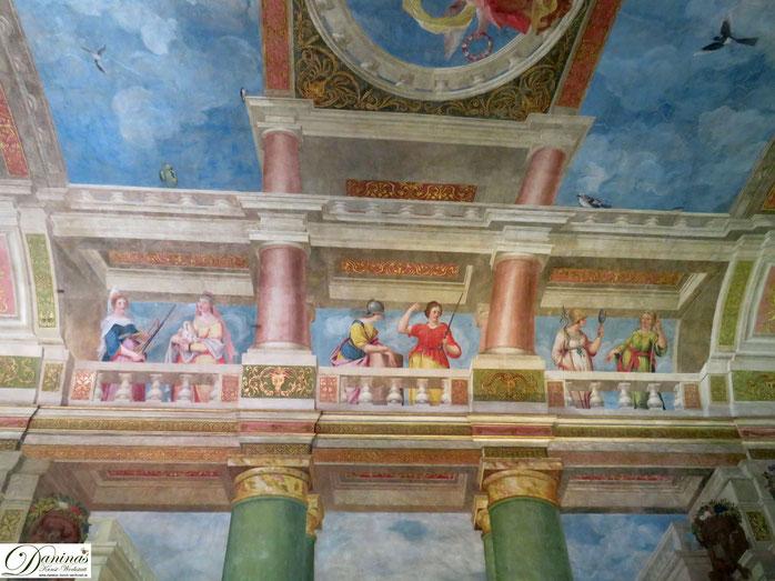 Schloss Hellbrunn, Salzburg, Festsaal mit italienischer Szenenmalerei