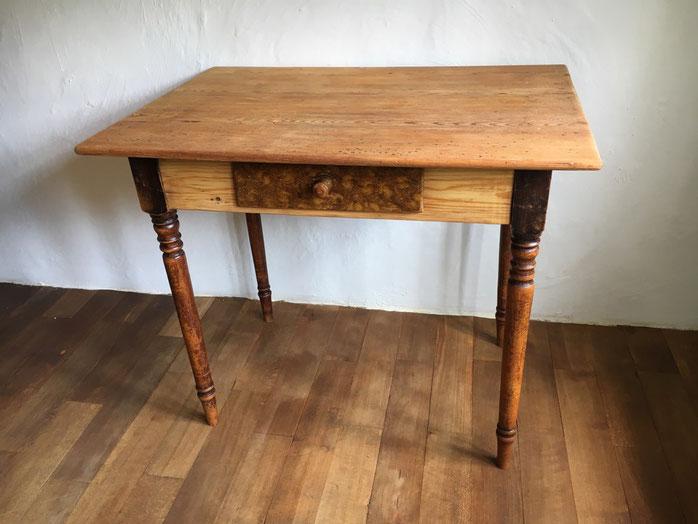 antikes Tischchen antiker Tisch Bauernmöbel Bauernbiedermeier Biedermeier