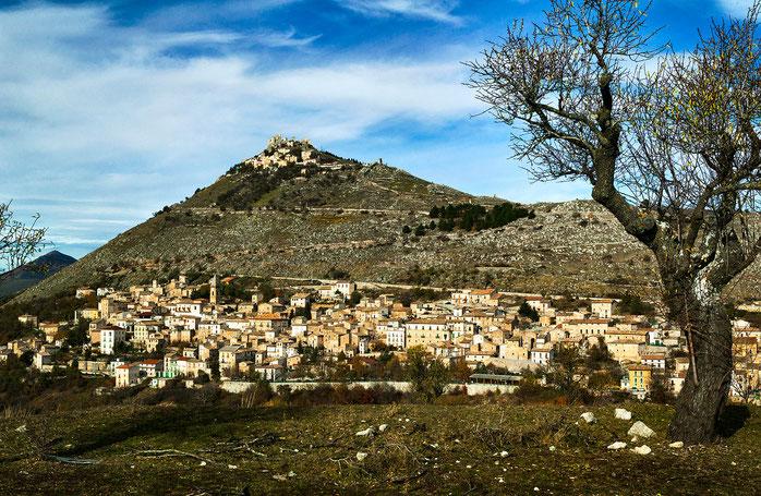 Calascio e la sua Rocca, panorama